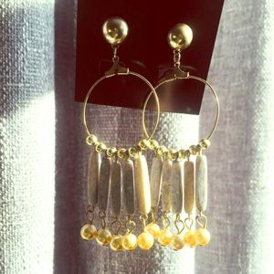 Jewelry - 🌞3/$19!! Stone and pearl gold hoop earrings!!